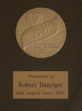 F0875 New York Film Festival Gold Medal 1987